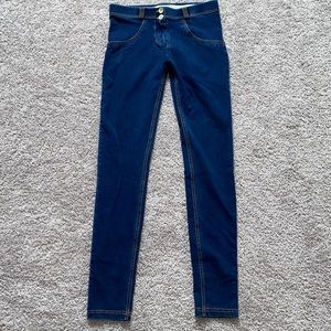 EUC Freddy Jean leggings
